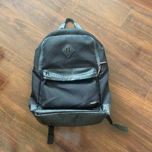 DRAVUS Black Backpack with Leather Accents